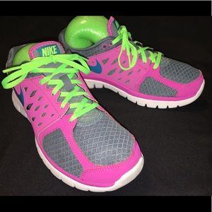 NIKE women's FLEX 2013 RUN
